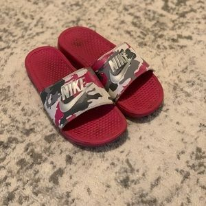 ✨SOLD✨ Nike sandal slides